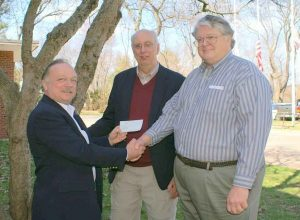 Mike_K1TWF_Handing_5K_Donation_Check_to_ARRL_Foundation